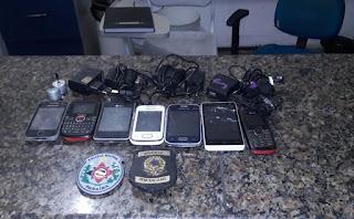 Em Guarabira, polícia encontra pacotes com sete celulares em presídio