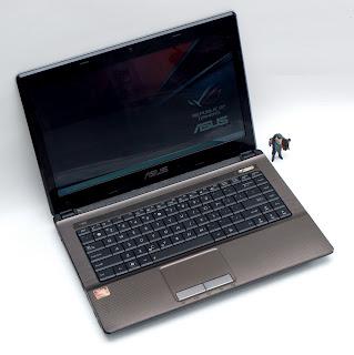 Laptop ASUS X43U ( Proc. AMD C50 )