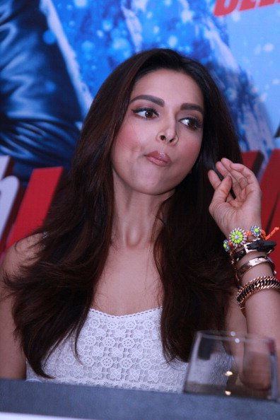 Most Awkward Bollywood Deepika Padukone Poses