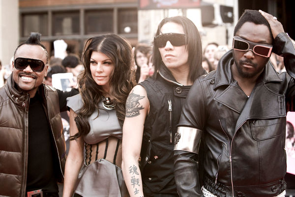 Video: The Black Eyed Peas - I Gotta Feeling
