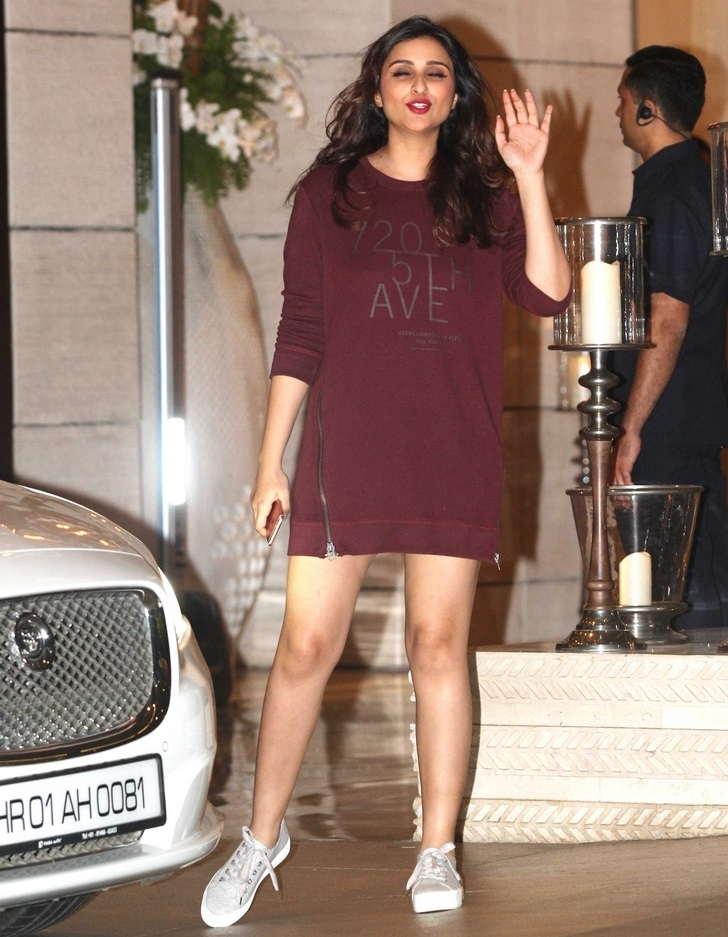 Mumbai Girl Parineeti Chopra Long Legs Thighs Show In Mini Maroon Skirt