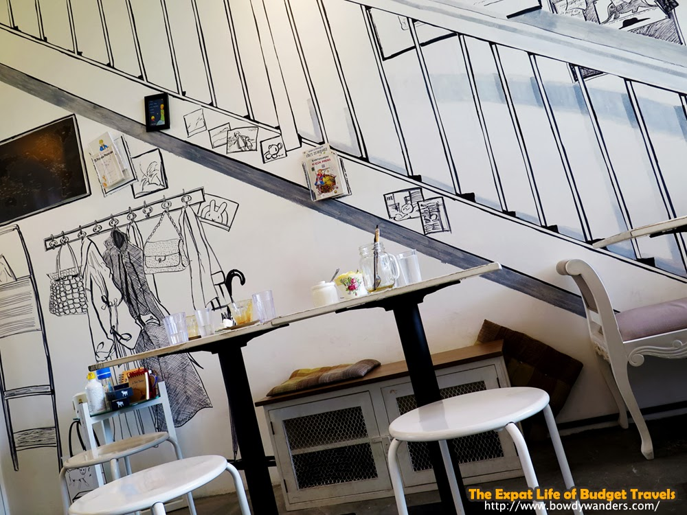 bowdywanders.com Singapore Travel Blog Philippines Photo :: Singapore :: The Little Prince Café in Somme Road