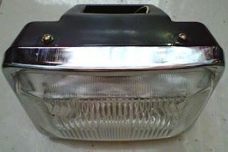 Reflektor atau lampu depan Honda Win