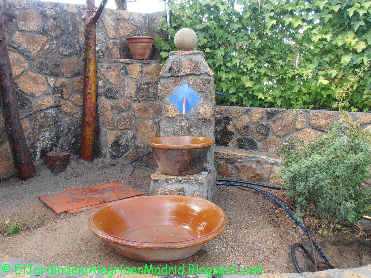 El jard n de la alegr a hemos hecho una fuente de piedra - Motor de fuente de agua ...