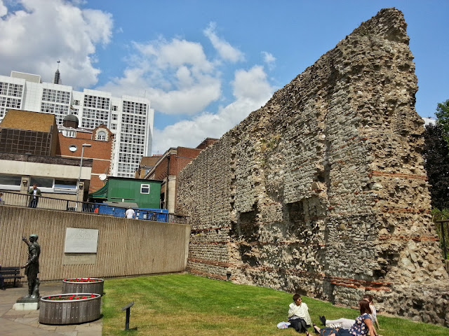 City Wall, Tower Hill