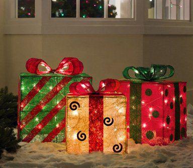Cajas de regalo para decorar exteriores en navidad for Decoracion navidena para exteriores