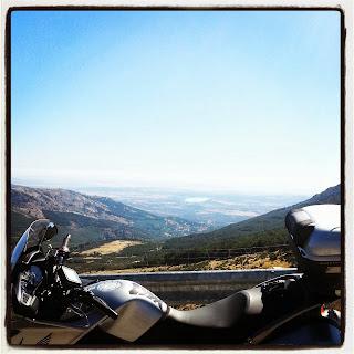ruta en moto por Manzanares el Real Rascafria