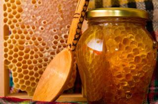 Μέλι, πρόπολη, κερί: Είναι πραγματικές υπερ-τροφές;