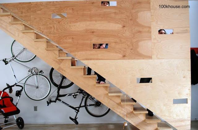 Escalera interior de madera