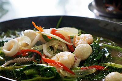 Kangkung seafood hotplate Pondok Ale Ale
