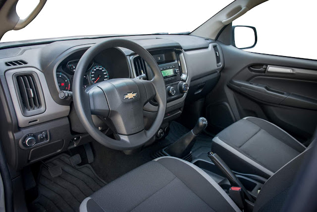 Chevrolet S-10 2017 LS - interior