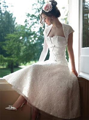 vestido noiva retro vintage midi lindo renda bordado manga