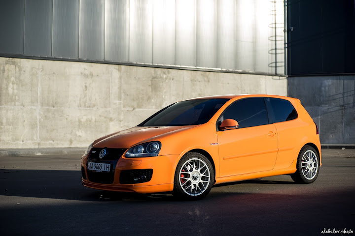 orange VW Golf mk5 GTI on BBS RS wheels