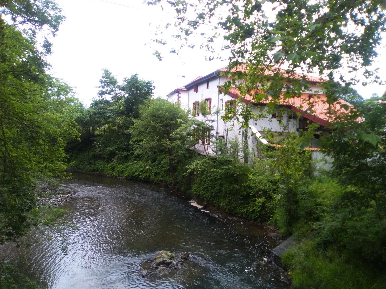 Camino franc s de saint jean pied de port a roncesvalles for Maisons errobi