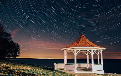 lake bandstand