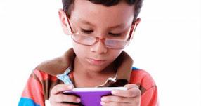 Uso excesivo de tablets y smartphones puede causar miopía en niños, advierten especialistas