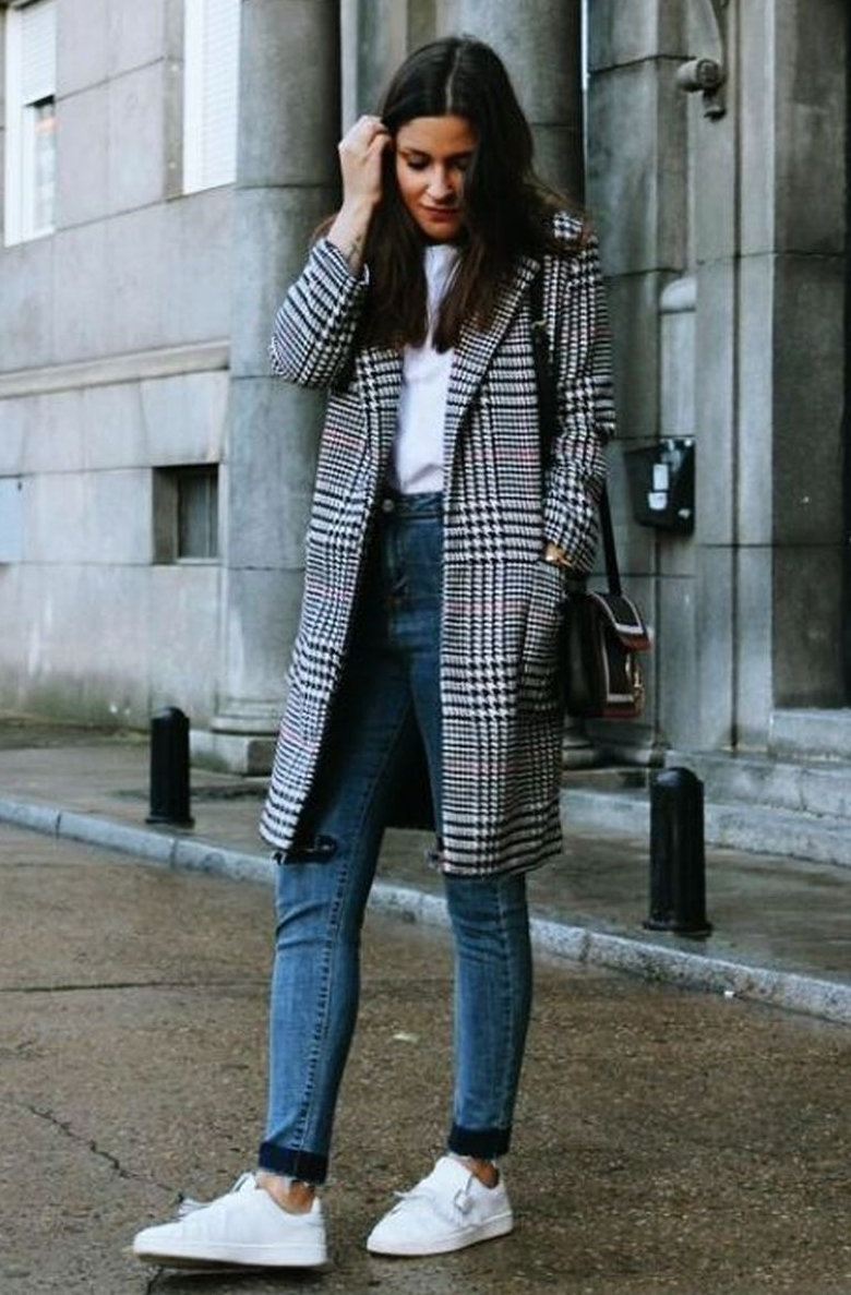 CUTE WINTER OUTFIT FOR WOMEN TO DATE NIGHT