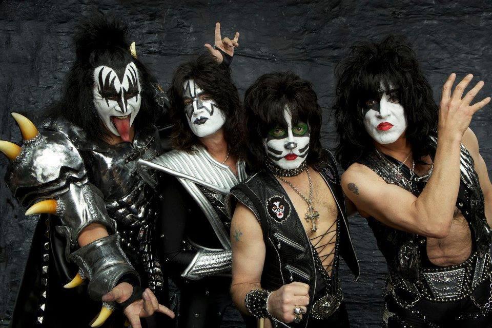 Gene Simmons defends KISS makeup use by non-original members