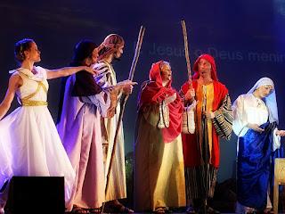 O coro do Auto de Natal de Canela, em 2014.
