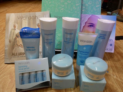 Wardah lightening series untuk kulit berminyak
