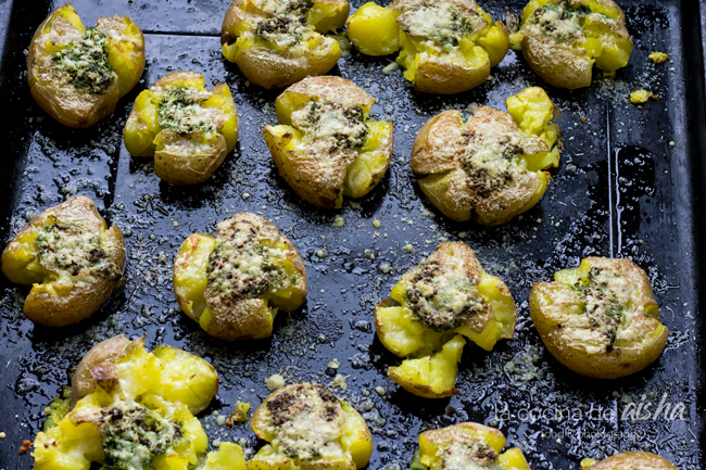 patatas-asadas-chimichurri-guindilla-parmesano