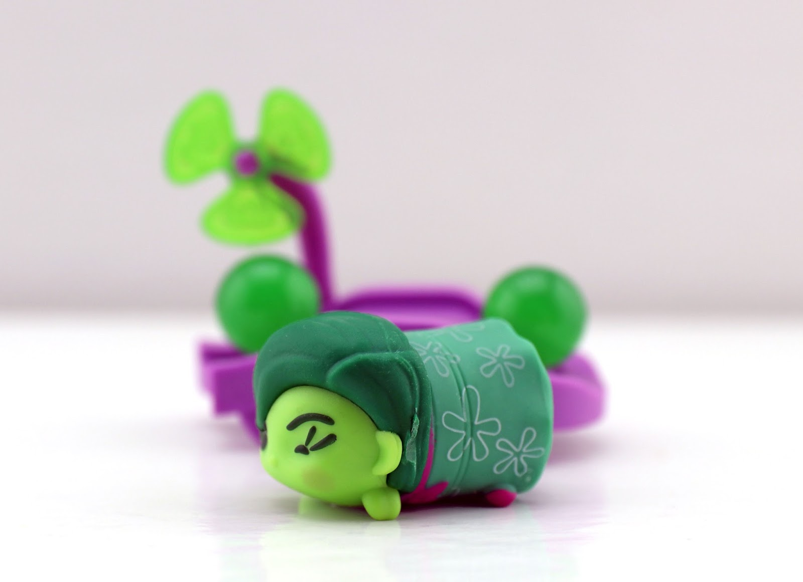 Disney Tsum Tsum Mystery Stack Packs series 8 disgust