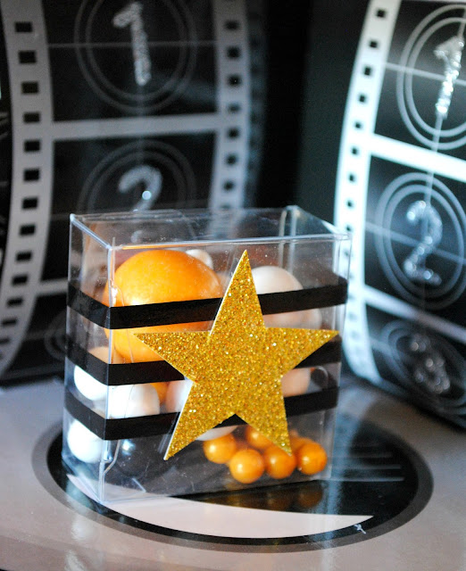 Oscar party favors and more found at www.fizzyparty.com