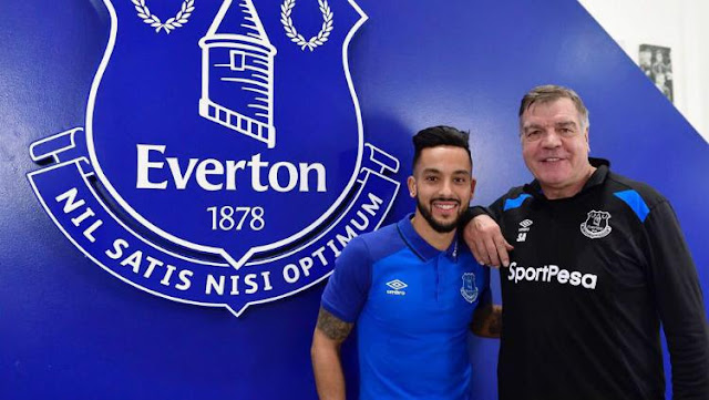 Theo Walcott Resmi Berseragam Everton