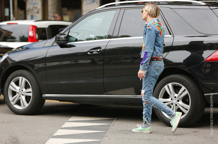 Street-Fashion-Trends-Distressed-repaired-and-patched-HD-Images
