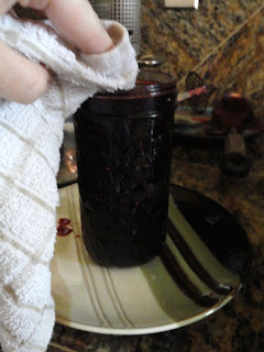 Blackberry-Jam-without-added-Pectin-Wipe-Rim.jpg