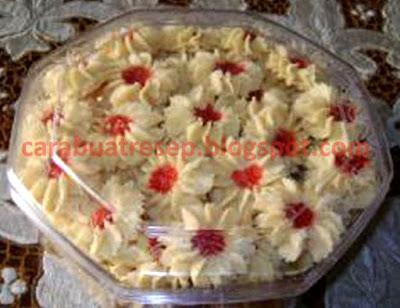 Foto Resep Kue Kering Semprit Mawar Renyah dan Lembut Sederhana Spesial Selai Stroberi Asli Enak