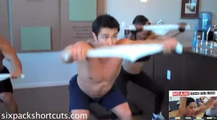 Workout da Semana: Exercicios com uma toalha