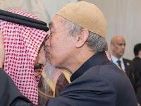 Viral, Mualaf Malaysia ini Cium Kening Raja Arab King Salman, Siapakah Dia?