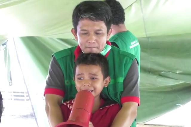 Bikin Haru! Anak Pengungsi Gempa Palu Baca Alfatihah Sambil Nangis