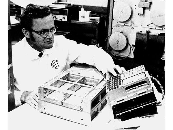 Exo Cruiser: Apollo Guidance Computer (AGC), Its Emulators (ISAGC ...