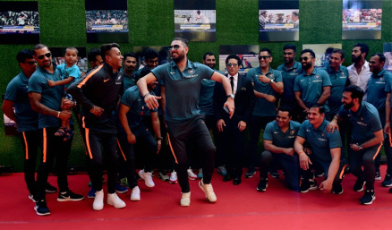 Yuvraj Singh was seen enjoying as the entire team India attended the screening of Sachin Tendulkar's biopic.