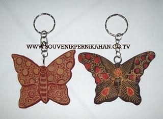 Souvenir Pernikahan Gantungan Kunci Batik Jogjakarta 10