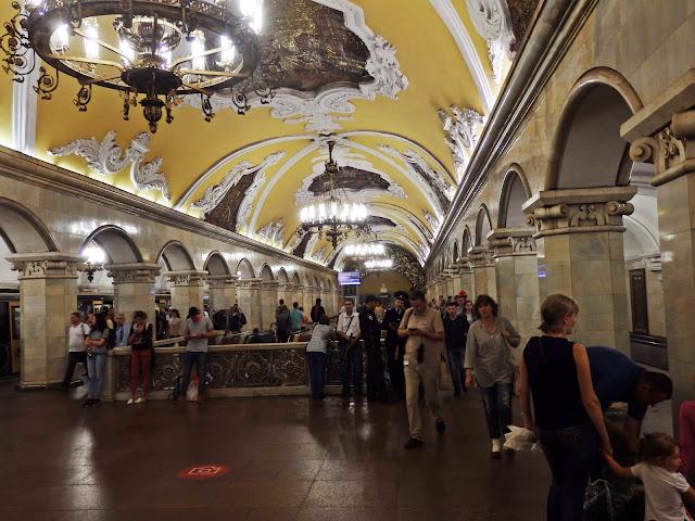 Stacja metra Komsomołskaja (jedna z najładniejszych), sierpień 2016