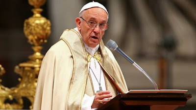 """El papa Francisco criticó la """"doble vida"""" de los católicos"""