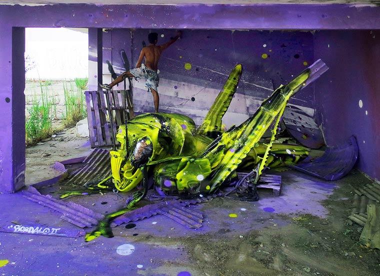 Belalang - Seni Lukisan Binatang Menakjubkan Dan Kreatif Dari Bahan Sampah