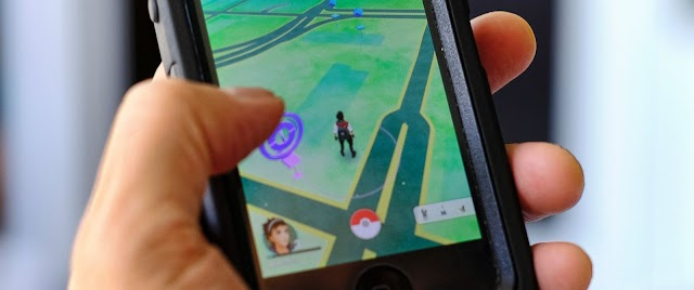 Two girls Inadvertently Walk Across US-Canada Border While Playing Pokemon Go