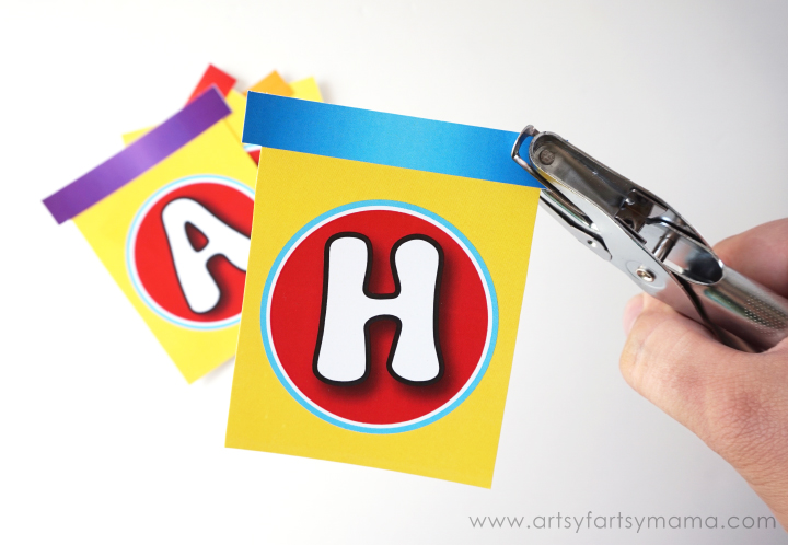 Free Printable Play-Doh Birthday Banner at artsyfartsymama.com #WorldPlayDohDay