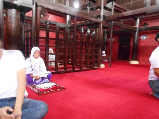 sultan kanoman Masjid Kasepuhan Cirebon