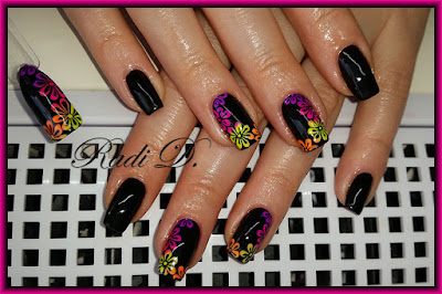 Black nails with neon flowers
