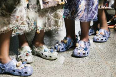 CROCS DEBUTS HIGH FASHION COLLABORATION ON CHRISTOPHER KANE CATWALK