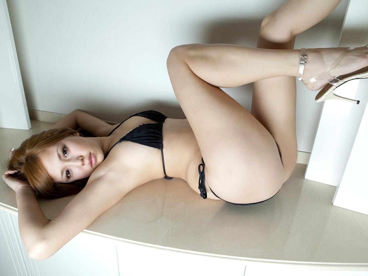 manami marutaka hot bra and panty pics 01
