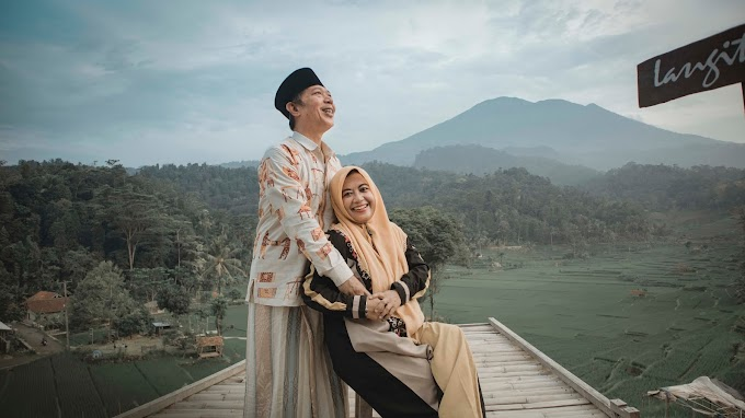 Gallery Kang Lukman Bersama Istri Tercinta
