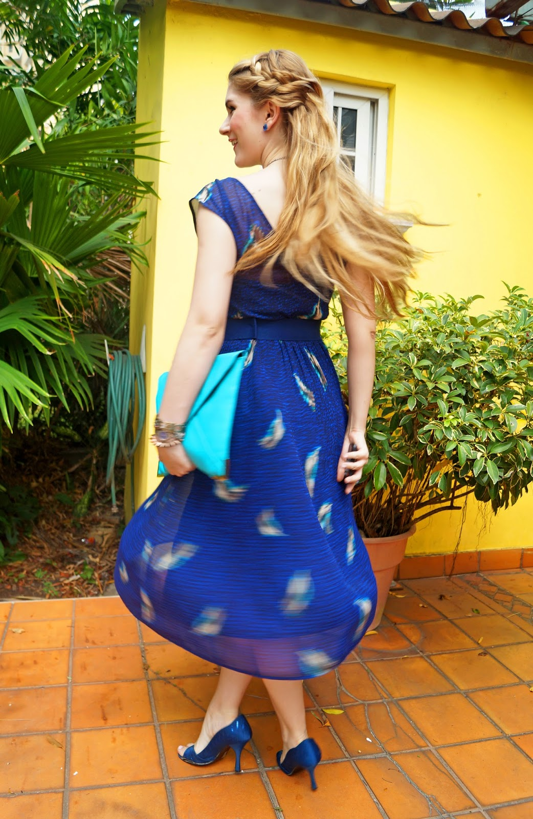 spring dress outfit, spring fashion, spring outfits, fashion blog, asos clutch, blue dress outfit