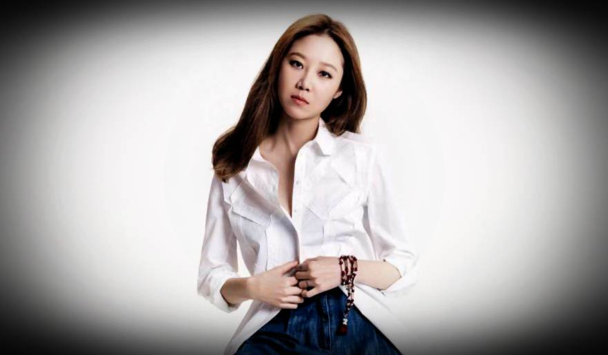 Gong Hyo Jin is known as a character player in several dramas. One of the  dramas played by Gong Hyo Jin is Master's Sun, Producers to Do not Dare to  Dream.