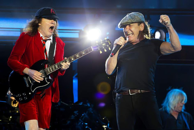 Angus Young y Brian Johnson (AC/DC)